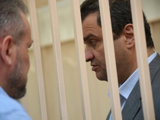 Экс-замминистра Пирумов в суде проигнорировал вопрос о своем настроении