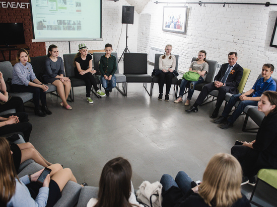 Губернатор ответил на вопросы юных журналистов