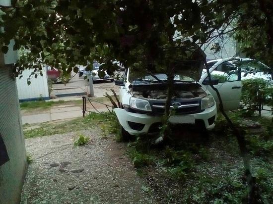 В Тольятти «Гранта» врезалась в ограждение, водитель погиб