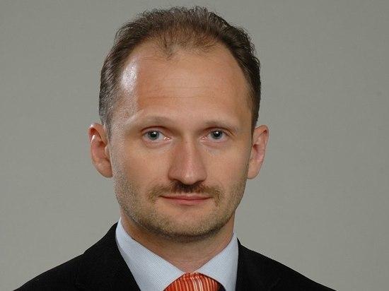 Кандидат в премьеры Латвии назвал евродепутатов «дураками» за поддержку русских школ