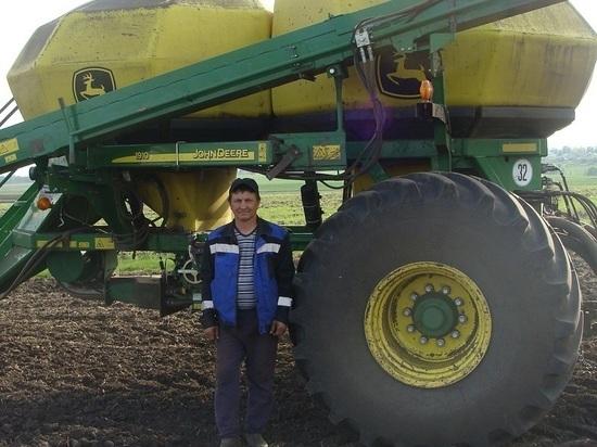 Тракторист из Вурнар прославил свой поселок на всю Россию
