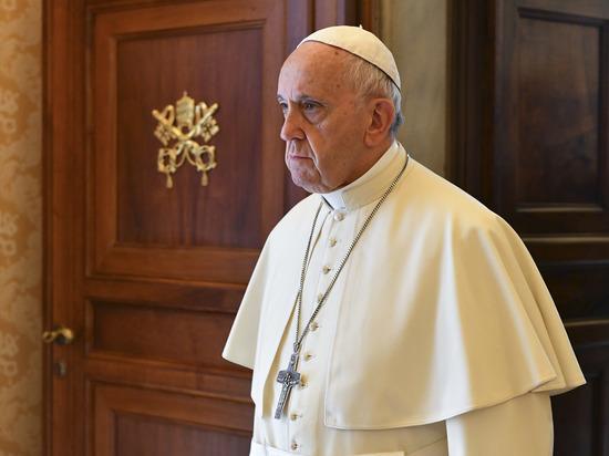 Папу Франциска осудили за то, что тот не осудил геев
