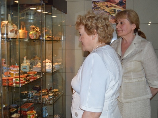 В гостинице «Волгореченск» открылась уникальная выставка шкатулок из частной коллекции Татьяны Селезневой