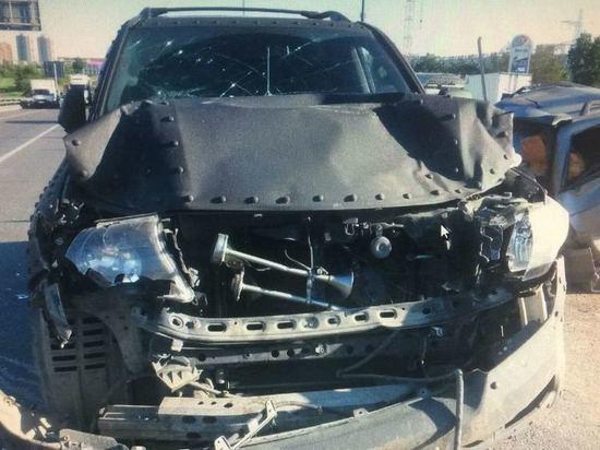 На МКАД «Тойота» протаранила стоящие машины: двое пострадавших