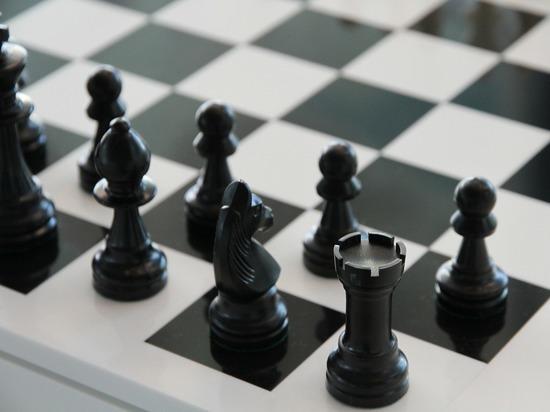 Скандал между юными шахматистками: «подсказки в туалете» опровергнуть не удалось