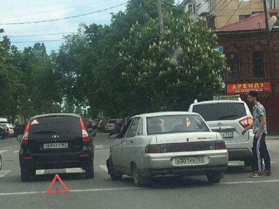 В Сызрани столкнулись три автомобиля