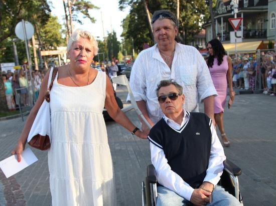 Сын Караченцова раскрыл подробности госпитализации отца