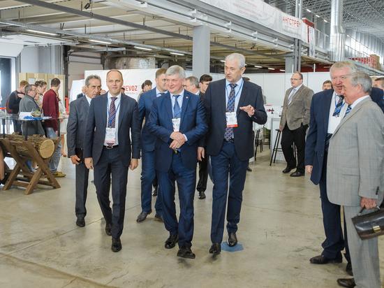 Александр Гусев открыл XI Воронежский промышленный форум