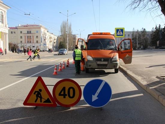 На улицах Чебоксар восстанавливают дорожные знаки