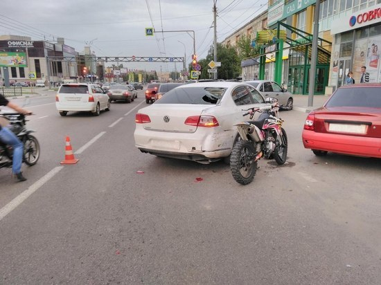 В Тамбове 17-летний мотоциклист столкнулся с иномаркой