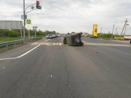В Волжском районе «УАЗ» врезался в иномарку и перевернулся