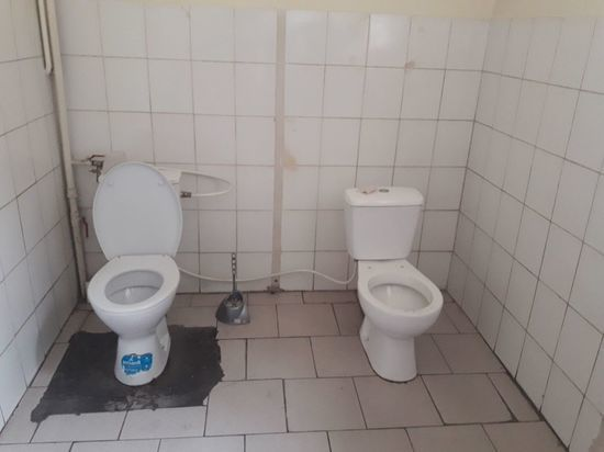 Спаренный туалет в львовском СБУ бьет рекорды просмотров
