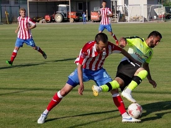 Футбол в Крыму: чемпионы проиграли на своем поле