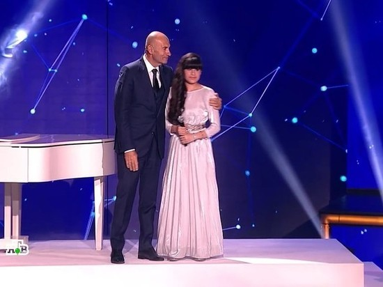 """Тольяттинка Диана Анкудинова выиграла на шоу """"Ты супер!"""" и получила квартиру от Крутого"""