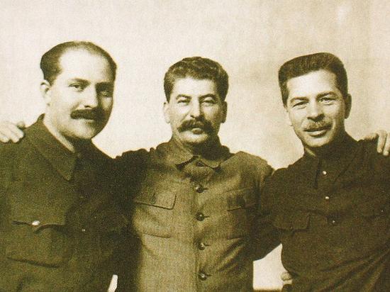 Как первый секретарь ЦК ВЛКСМ Михайлов вошел в когорту молодых руководителей