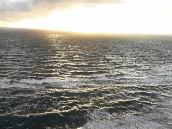 Судно столкнулось с рыбацкой лодкой в Японском море
