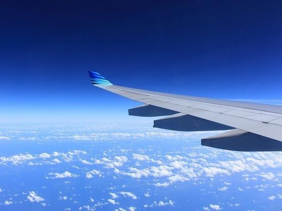 Самолет приземлился в Москве с отломленным шасси