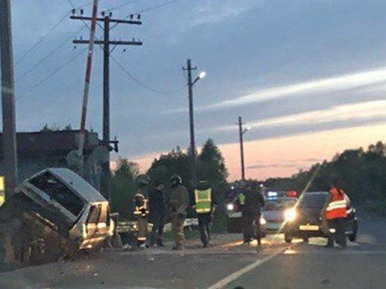 Пассажирка вылетела через лобовое: в Архангельске произошло жуткая автокатастрофа