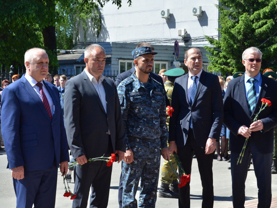 В Твери открыли памятник герою Владимиру Елизарову