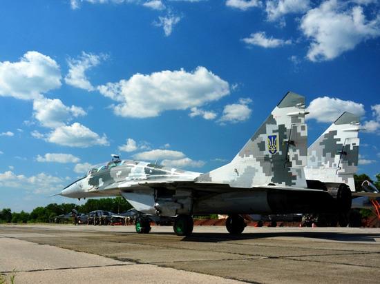 Украина подняла боевые самолеты в небо над Донбассом