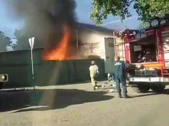 В Тамбове в ритуальной конторе случился сильный пожар