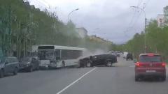 Опубликовано видео смертельного ДТП с автобусом в Мурманске