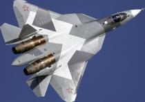 Боевой разворот истребителей Су-57 засняли на видео