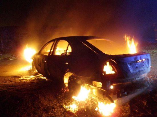 В Ульяновске горел автомобиль «Ауди»