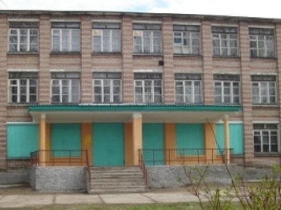 В Кегостровской школе будут учить детей и принимать больных