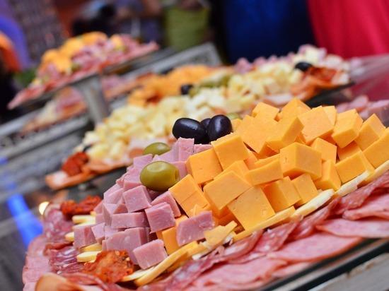 Еда, которая нас губит: пищевая война США и России