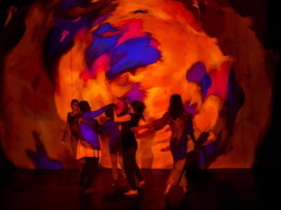 В Екатеринбурге состоится премьерный показ уникального инклюзивного спектакля «Anima Chroma/Живые картины