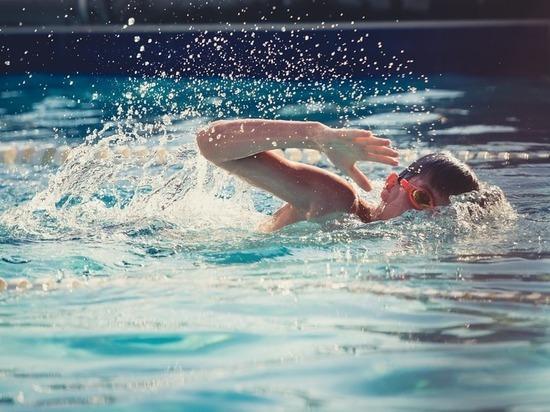Юный сургутянин едва не утонул в бассейне