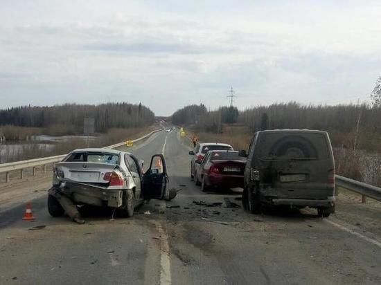 Массовое ДТП произошло на дороге в Нефтеюганском районе