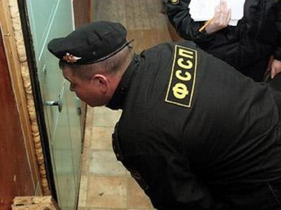 Судебный пристав из Архангельска не глядя закрывала производства ради показателей