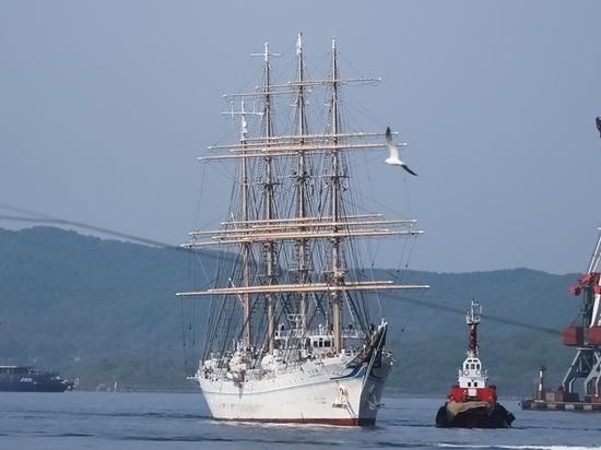 Японский парусник Kaiwo Maru прибыл во Владивосток