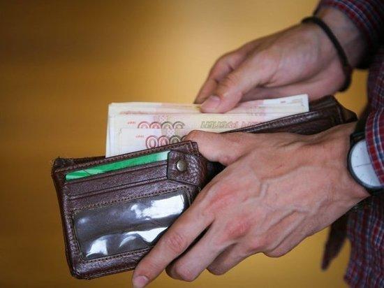 Владивостокцы платили предпринимателю за сомнительный алкоголь