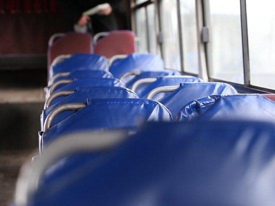 От брошенных автобусов избавляются во Владивостоке