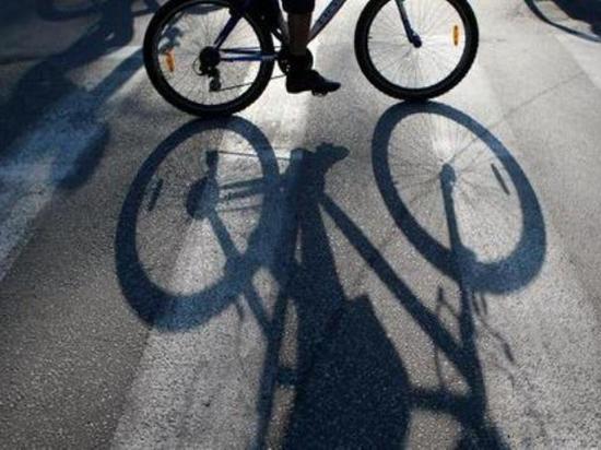 Автомобиль, сбивший велосипедистку в Костроме, объявлен в розыск
