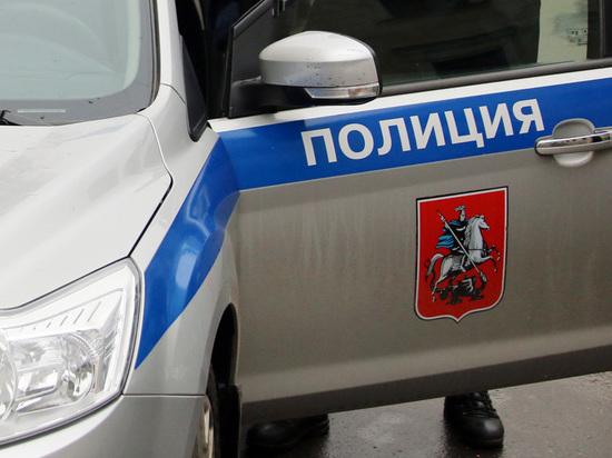 СМИ: мужчина с мачете взял заложников в Люблино