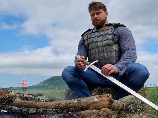 Триста «Железных людей» в латах устроили в Железноводске бугурт