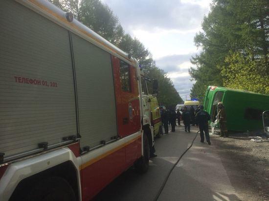 В Екатеринбурге перевернулся пассажирский автобус маршрута №064