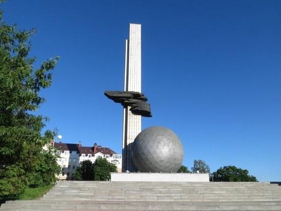 """Из """"шарика"""" на въезде в Калугу сделают футбольный мяч"""