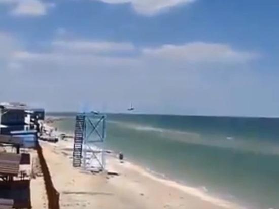Проводили учения: Украина объяснила рекордно низкий пролет штурмовика над пляжем Запорожья