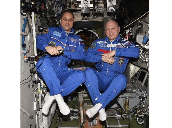Космонавты рассказали, в чем преимущество «перевернутых» носков