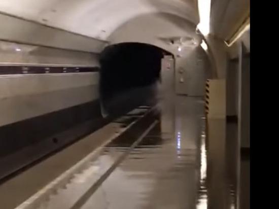Секс в метро новое