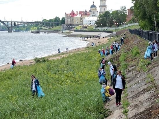 В День защиты окружающей среды в Рыбинске прошла экологическая акция «оБЕРЕГАй»