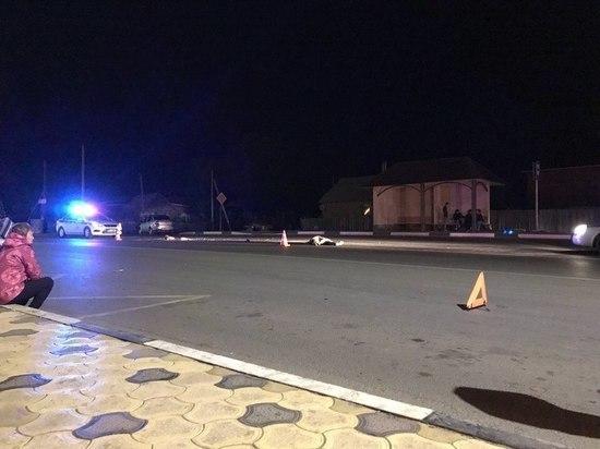 В Астрахани КамАЗ сбил мужчину