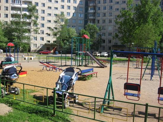 В поселке Строитель открыли новый сквер и детскую площадку