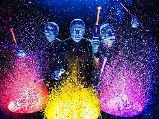 В Петербург приедет музыкальная шоу-группа синих инопланетян