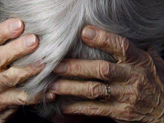 В Оренбурге мужчина избивал пенсионерку, проживающую в доме престарелых